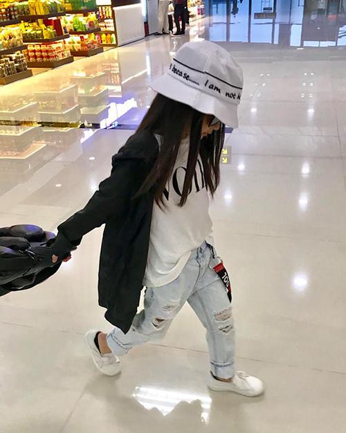Style lớn sớm khó tin của chân dài 7 tuổi hot nhất Việt Nam - 9