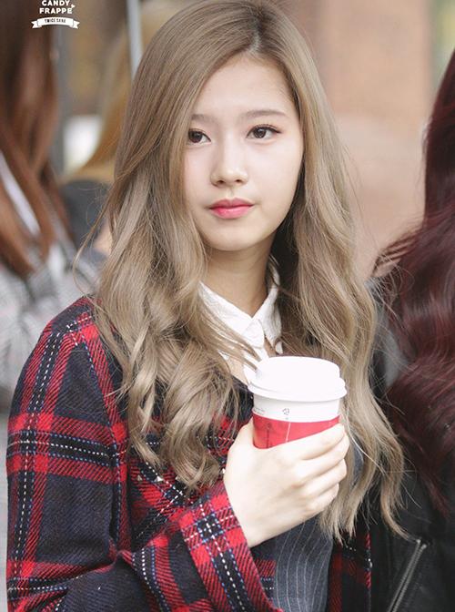 10 màu tóc ấn tượng nhất của Sana (Twice) từ khi debut - 7