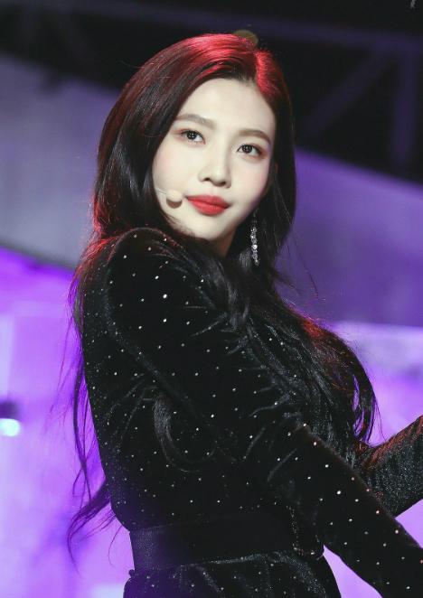 Fan tức giận vì Joy đột ngột hủy đến Triều Tiên diễn cùng Red Velvet