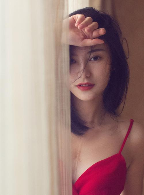 Mốt trang điểm năm 90 giúp các hot girl xứ Trung tôn vẻ đẹp mong manh - 6