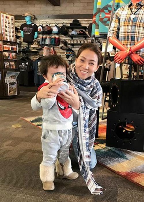 Thu Minh lần đầu để lộ mặt con trai sau 3 năm giấu kín - 1