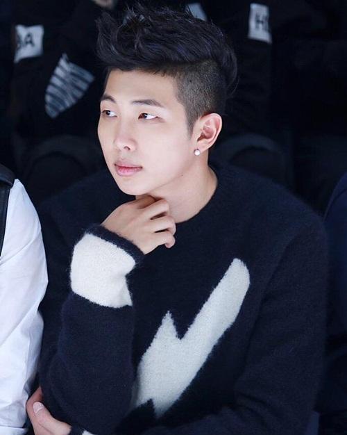 Nhan sắc cực phẩm của BTS khi đồng loạt để tóc đen - 10