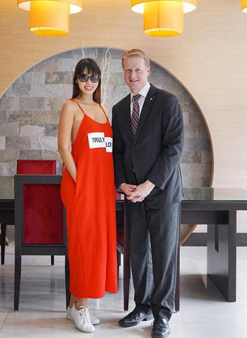 Váy bao tải của Zara sao Việt cao kều vẫn khó chinh phục - 2