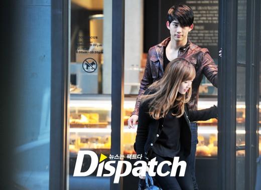 Hình ảnh Jessica cùng Taec Yeon dùng bữa trưa tại một nhà hàng.