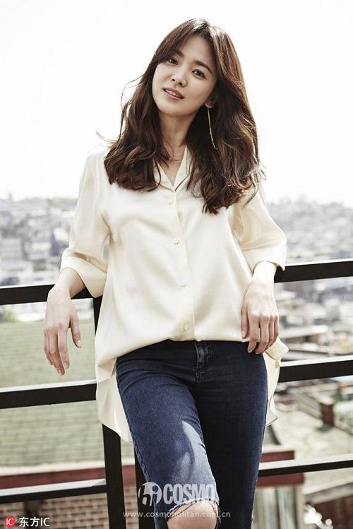 Báo Trung bầu chọn 9 khoảnh khắc đẹp tựa nữ thần của Song Hye Kyo - 2