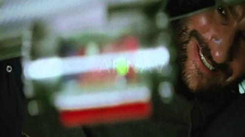 Cạn lời trước 5 cảnh truy đuổi hài hước nhất của phim Ấn Độ - 2