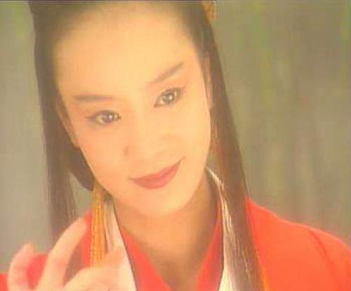Ngoài 40, Lưu Tuyết Hoa vẫn đẹp với vai Đông Phương Bất Bại.