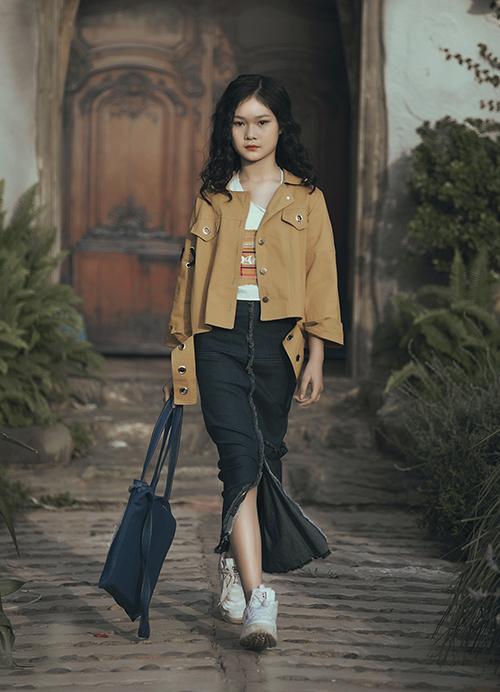 Con gái Phan Anh ra dáng hot girl khi diễn thời trang cùng bố mẹ - 7