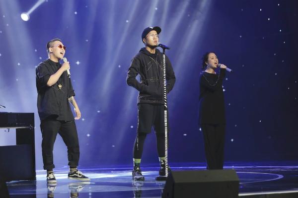Nhóm nhạc trẻ gây sốt tại chương trình Sing My Song.