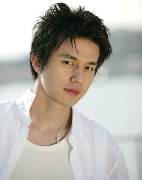 Ảnh quá khứ mũm mĩm mắt một mí của Lee Dong Wook khiến fan tranh cãi - 2