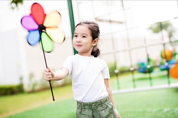 Những công chúa nhà sao Việt tương lai nên đi thi hoa hậu - page 2 - 9