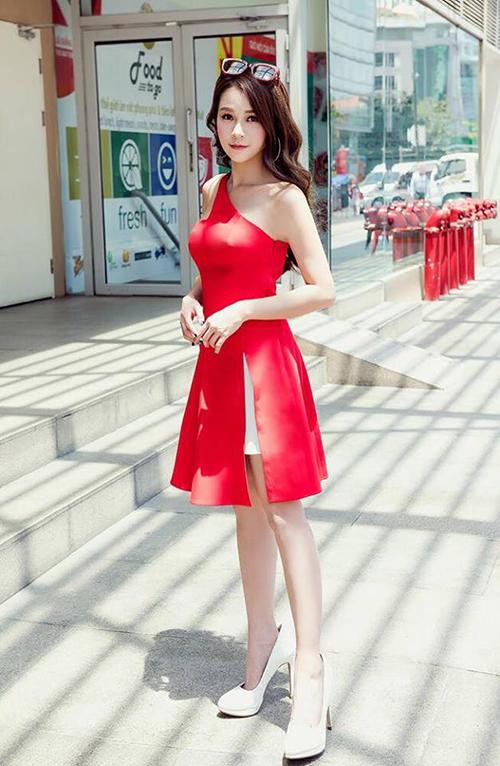 Sao Việt diện street style đa phong cách đi chơi ngày đầu hè - 1