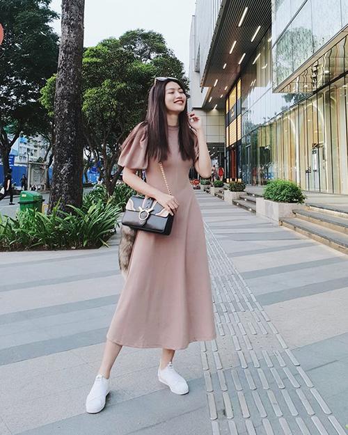 Sao Việt diện street style đa phong cách đi chơi ngày đầu hè - 2