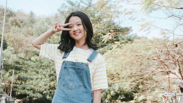 Lâm Thanh Mỹ: Cô bé Hoa vàng cỏ xanh lột xác thành tiểu mỹ nhân - 4
