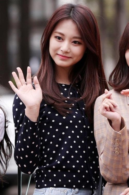 Trong một bài phỏng vấn gần đây, Tzuyu nói rằng tất cả các cô gái trong Twice đều giữ vị trí visual, không có ai giữ mãi danh hiệu này.