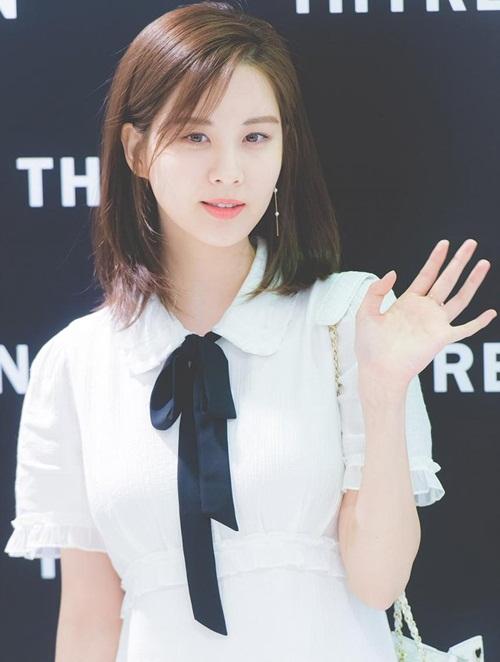 Trong tháng 4, Seo Hyun được truyền thông nhắc tới nhờ vai trò MC tại concert ở Triều Tiên. Nhan sắc hoàn hảo, nhân cách không chỗ chê giúp em út SNSD đứng thứ 8, không hề kém cạnh đàn em đang hot.