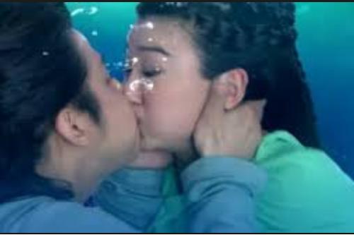 4 nụ hôn bị ném đá nhiều nhất trên màn ảnh Hoa ngữ - 1