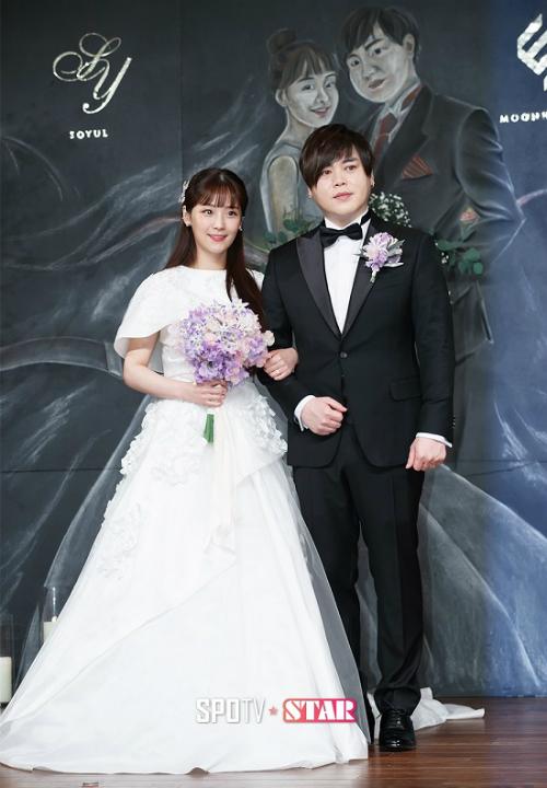 9 cặp sao Hàn vượt qua khoảng cách tuổi chú - cháu để hẹn hò - 4