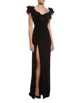 Đây chỉ là chiếc váy đắt thứ 3 thôi, chúng có giá 113,7 triệu của Neiman Marcus.