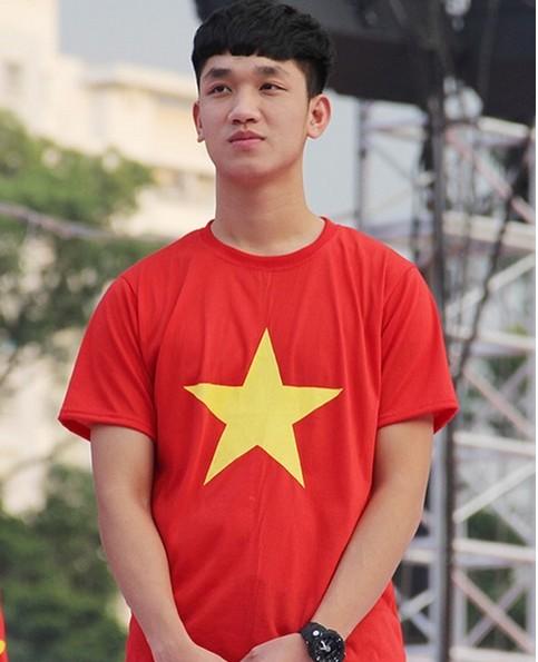 Fan mệt lử chúc mừng 8 chàng U23 Việt Nam sinh nhật vào tháng Tư