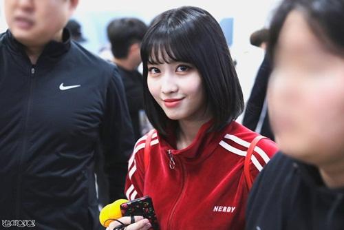 Momo (Twice) đáp trả cực ngầu sau khi bị fan bóc phốt ở sân bay - 5