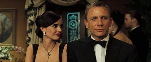 Cảnh mở màn khó bỏ qua trong 007: Casino Royale