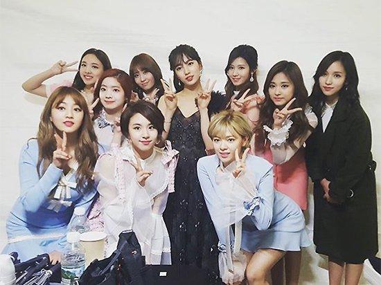 Suzy và Twice là 2 cái tên có sức hút lớn, kiếm nhiều tiền về cho JYP nhất hiện nay.