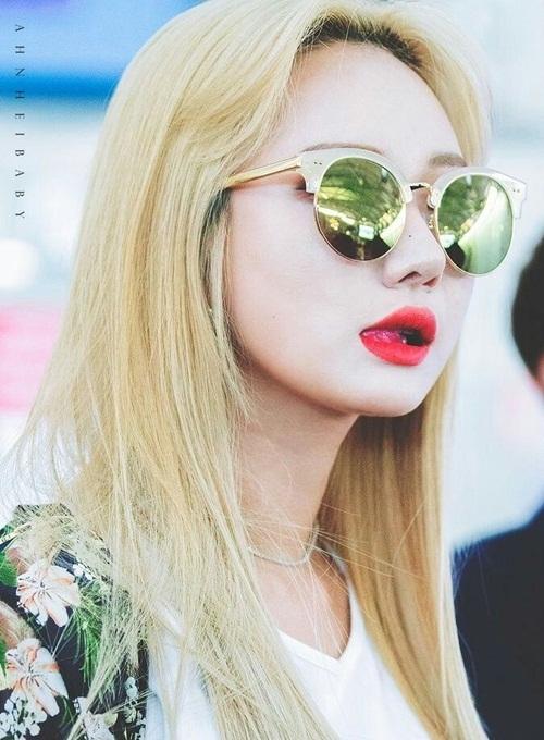 LE được đánh giá là một trong những rapper hàng đầu, xinh đẹp nhất Kpop. Cô nàng là người sản xuất nhạc, sáng tác và có kỹ năng đáng nể không ai có thể chê bai.