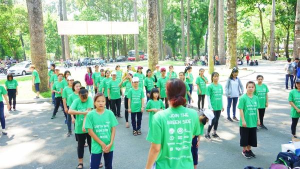 4.000 bạn trẻ thu gom 15 tấn rác trong Ngày trái đất 2018 - 2