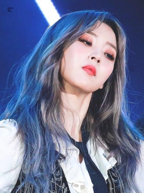 Moon Byul sở hữu lượng fan girl cực kỳ đông đảo vì khí chất lạnh lùng, chất lừ trên sân khấu.