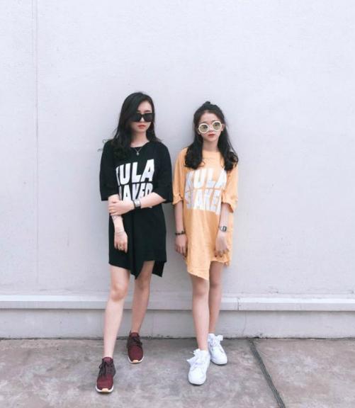 Bên cạnh Chi Bé, Linh Ka còn rất thân thiết với một người chị tên là Thục Anh. Thục Anh luôn bị hiểu nhầm là chị gái của Linh Ka bởi vẻ ngoài hao hao cùng phong cách ăn mặc sành điệu, trẻ trung. Cô nàng thường xuyên xuất hiện cùng nhóm hot teen.