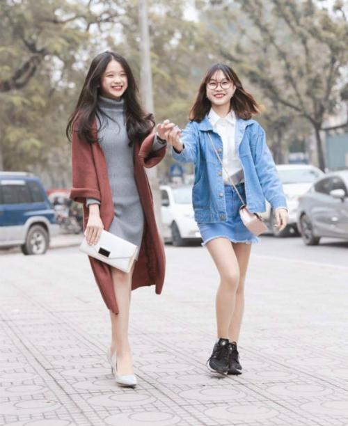 Chi Bé tên thật là Đào Kim Chi, sinh năm 2002, sống tại Hà Nội. Chi Bé cũng là một trong những hot face nổi tiếng.
