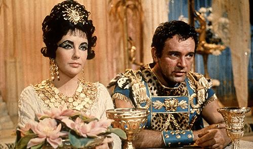 Khoảnh khắc lộng lẫy của nàng Cleopatra lẳng lơ nhất màn ảnh - 1