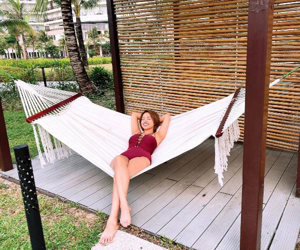 Dù không có chiều cao nổi bật nhưng Thanh Vân luôn biết chọn góc chụp, tạo dáng để tôn lên vẻ sexy.