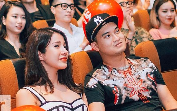 Chồng sắp cưới của nữ diễn viên tên là Đức Phạm, sinh năm 1990, kém nữ diễn viên một tuổi. Cả hai công khai tình cảm từ năm 2016. Anh chàng này là một doanh nhân, sinh ra trong gia đình khá giả tại Sài Gòn. Nhiều lần, Đức Phạm sánh đôi, hộ tống bạn gái tại sự kiện showbiz.