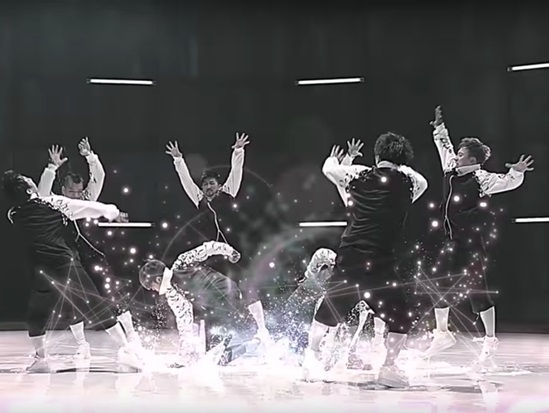 Chỉ nhìn hình bạn có biết đây là MV nào của TVXQ? - 3