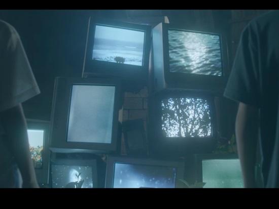 Chỉ nhìn hình bạn có biết đây là MV nào của TVXQ? - 8