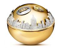 Chính xác! Đây chính là chai đắt nhất, Golden Delicious của DKNY, có giá 22,7 tỷ đấy nha.