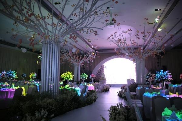 Khoảng 19h tiệc cưới chính thức sẽ diễn ra.