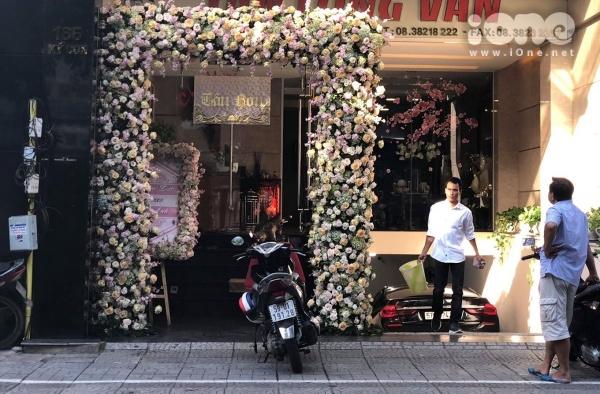 Không khí tổ chức rước dâu tại nhà chồng Diệp Lâm Anh.