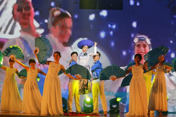 Những hình ảnh ấn tượng của cuộc thi chung kết Hoa khôi Ngoại giao 2018 - 4