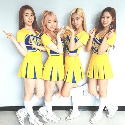 Top 10 girlgroup Hàn là cực phẩm khi mặc đồ nữ sinh cổ vũ - page 2 - 6