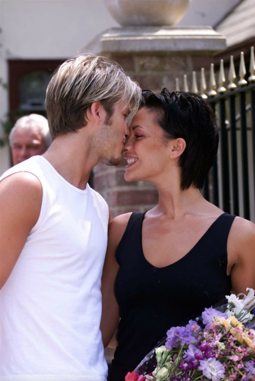 David và Victoria đến thăm bố mẹ cô trước khi tổ chức cưới ở Ireland, vào năm 1999.