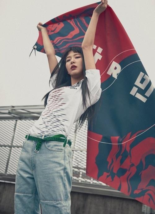 Chất swag của Seul Gi hợp với tiêu chuẩn của YG, công ty vốn sở hữu những nhan sắc lạ, để họ tự do phát huy cá tính riêng.