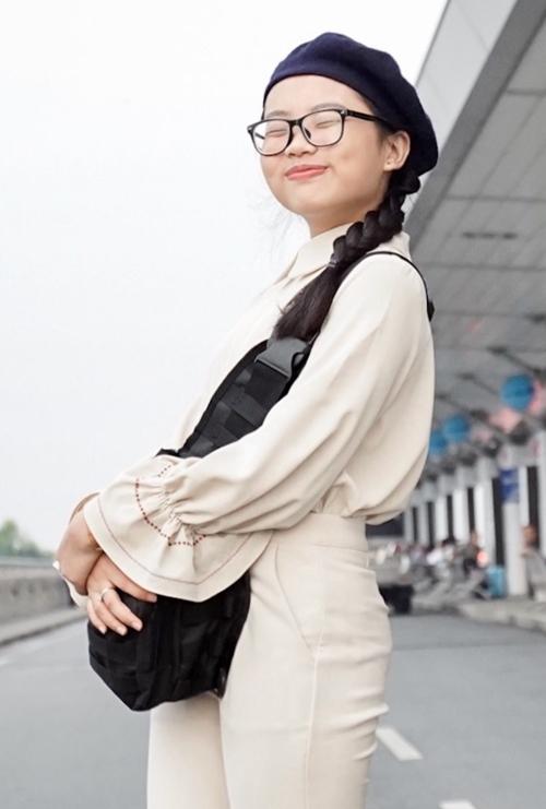 Trước đó, hồi tháng 11/2017, Phương Mỹ Chi có chuyến lưu diễn đầu tiên tại Mỹ. Thời điểm đấy, ca sĩ Quang Lê không ngại tiết lộ mức cát-sê mỗi show của con gái nuôi ở hải ngoại lên tới 6.000 USD.
