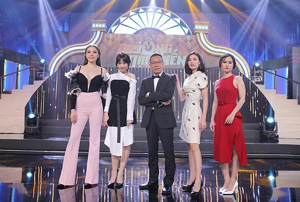 Kỳ Duyên ngày càng xuất hiện gợi cảm kể từ sau công khai dao kéo vòng một. Cô đang tham gia nhiều số ghi hình gamshow Quý ông đại chiến cùng Lan Ngọc, Lâm Vĩ Dạ, Hari Won và MC Lại Văn Sâm.