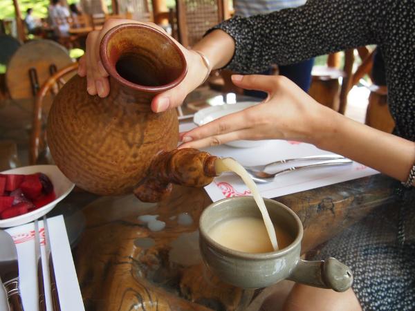 Khóa học về đồ uống được các bạn trẻ Hàn Quốc lựa chọn thử nghiệm. Ảnh: theculturetrip