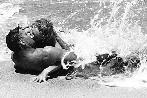 From Here to Eternity - phim có cảnh hôn gợi tình bậc nhất lịch sử điện ảnh - 1