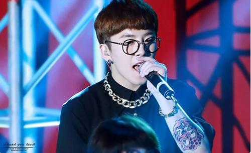 10 thần tượng Kpop có hình xăm bí mật khiến fan tò mò - 5