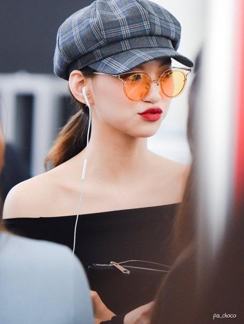 Thành viên Weki Meki được coi là một trong những mỹ nhân mới nổi của Kpop. Cô nàng sở hữu thần thái sang chảnh của một người mẫu.